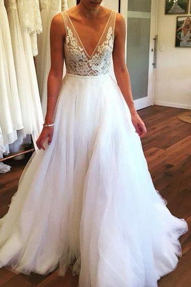 Gergeous V Neck Wedding Dress, White Tulle Wedding Gown Bridal Dresses CF1318